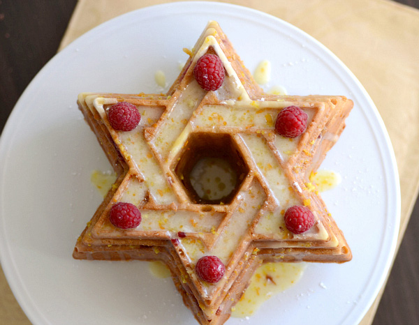 Spiced berry Star of David Bundt cake