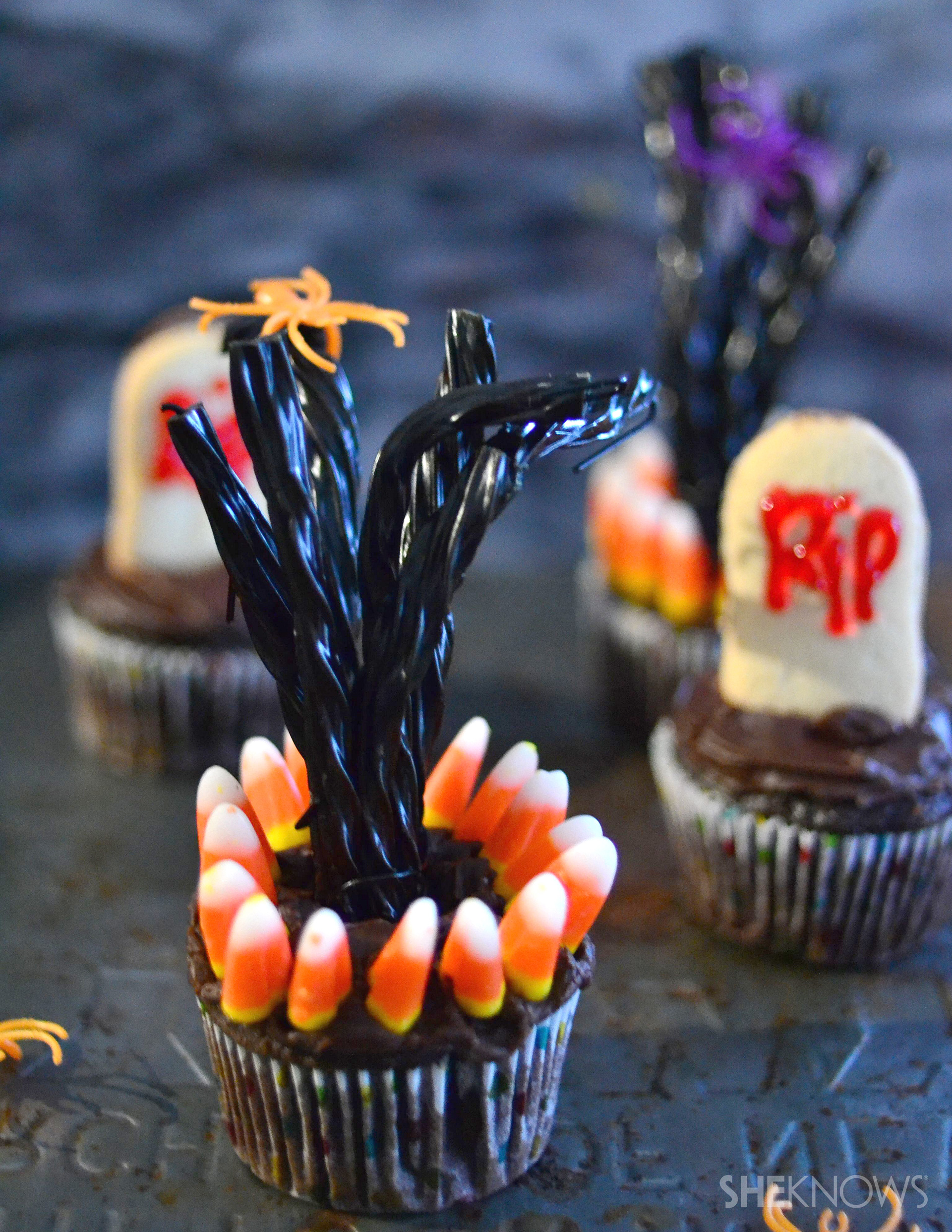 spooky deserted tree cupcakes