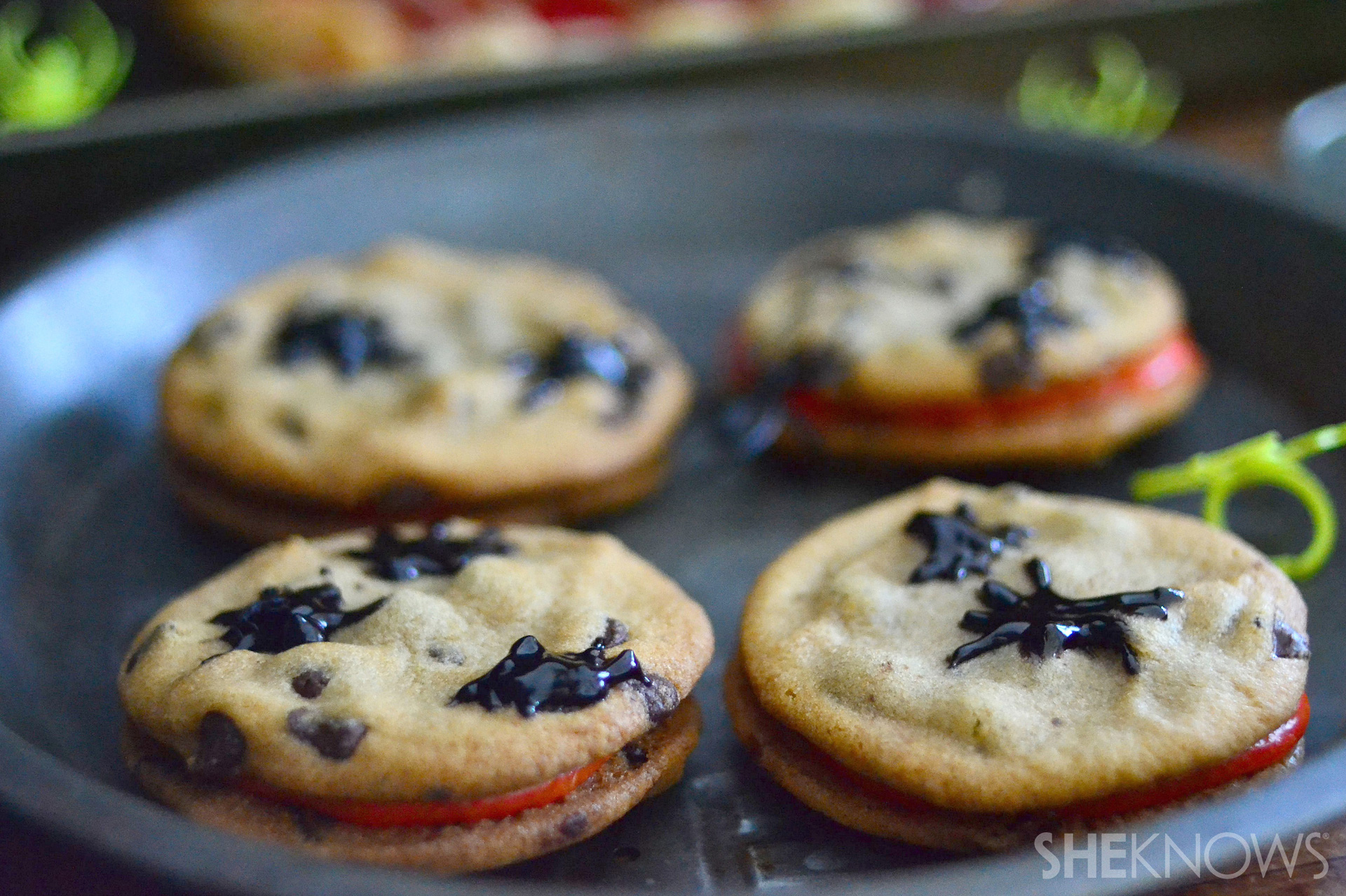 Spider infested cookie sandwiches recipe