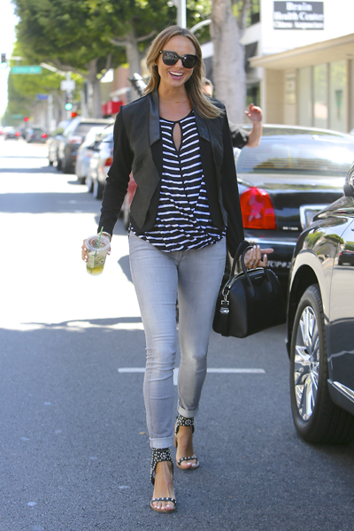 Pregnant Stacy Keibler in A Pea in the Pod