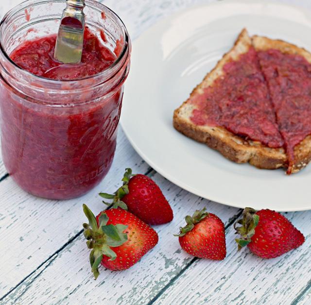 slow cooker strawberry rhubarb jam