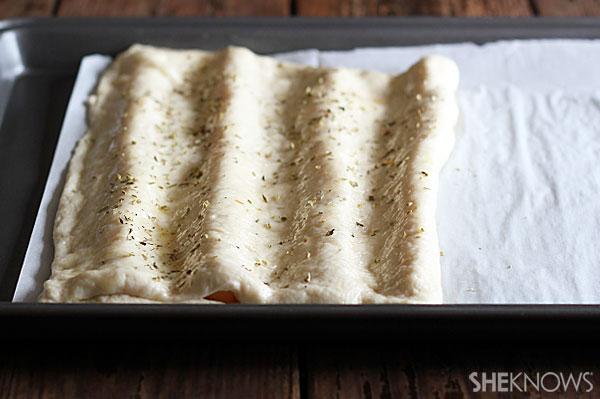 Cheese-stuffed breadsticks 2