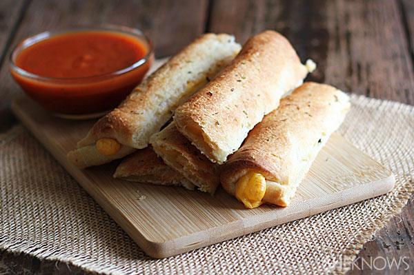 Cheese-stuffed breadsticks