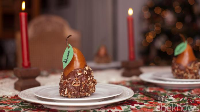 How to make edible chocolate-caramel pear