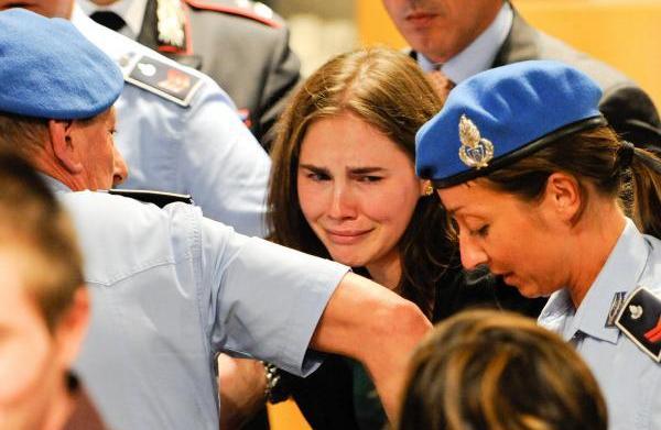 Amanda Knox explains false confession in