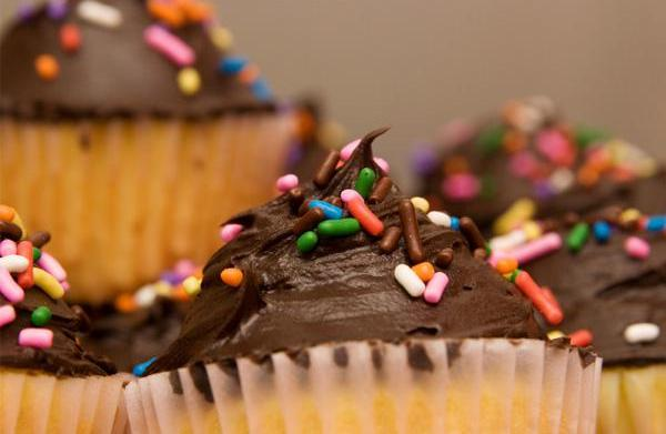 The easiest (and yummiest) cupcake recipe