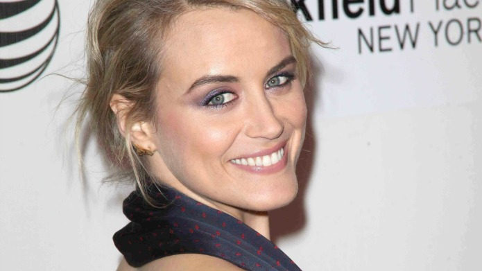 Taylor Schilling is absolutely not impressed