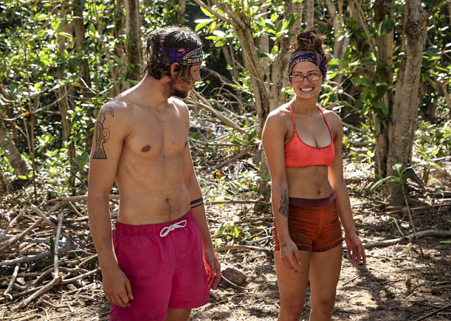 Taylor Stocker and Jessica 'Figgy' Figueroa work together on Survivor: Millennials Vs. Gen-X
