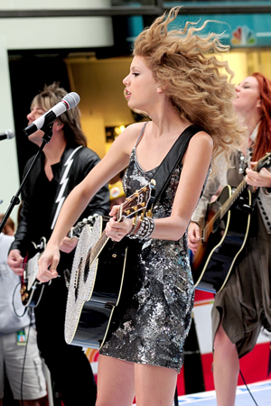 Taylor Swift is one of the performers at the iHeart Music Festival