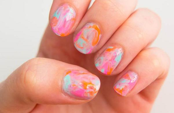 Nail design tutorial: The watercolor effect