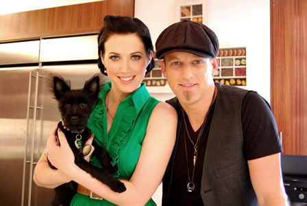Country couple Thompson Square talk about their relationship tips and their new puppy.