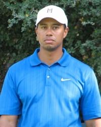 Tiger Woods apologies