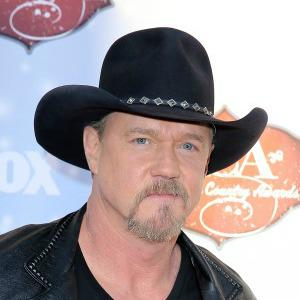 Trace Adkins enters rehab after alleged