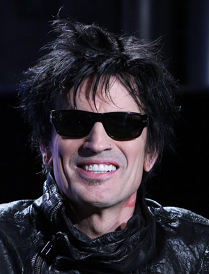 Tommy Lee hates his fans