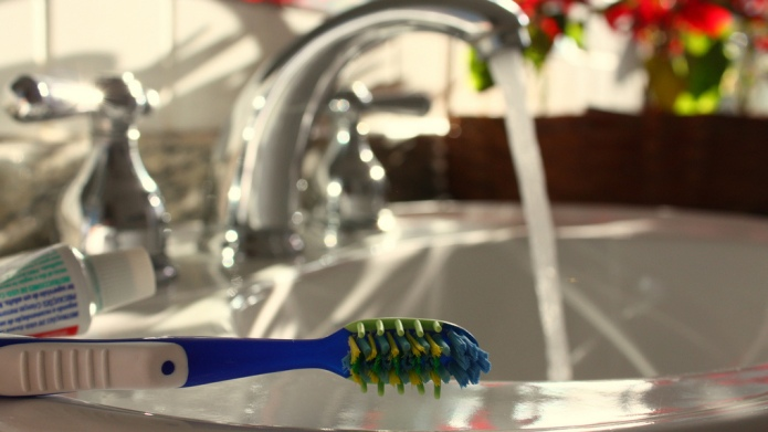5 Unconventional forms of toothpaste real