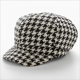 Candie's houndstooth newsboy hat