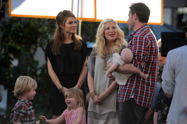 Tori Spelling with Dean McDermott and Liam, Stella and Hattie