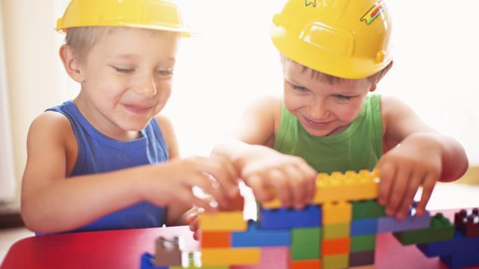 LEGO superfan creates adorable kid-friendly web