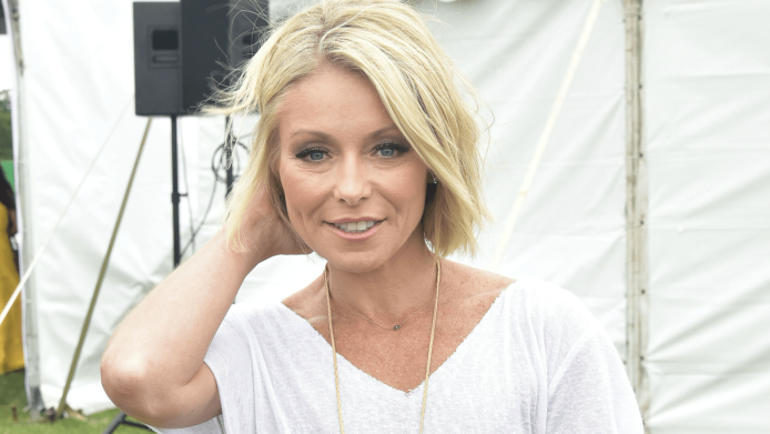Kelly Ripa's Getting Body-Shamed, & It's