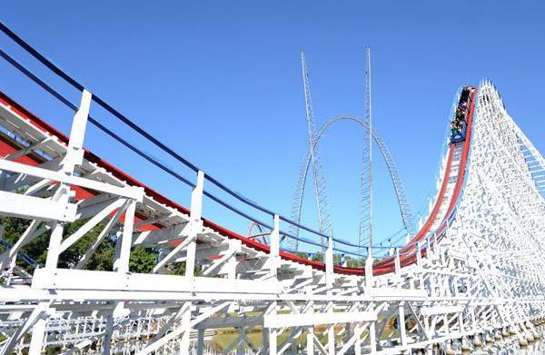 Amusement park fun: Six Flags Over