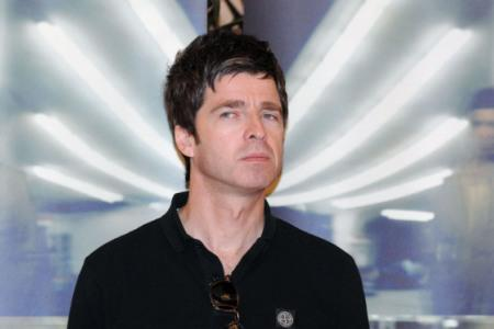Noel Gallagher picks a fight with