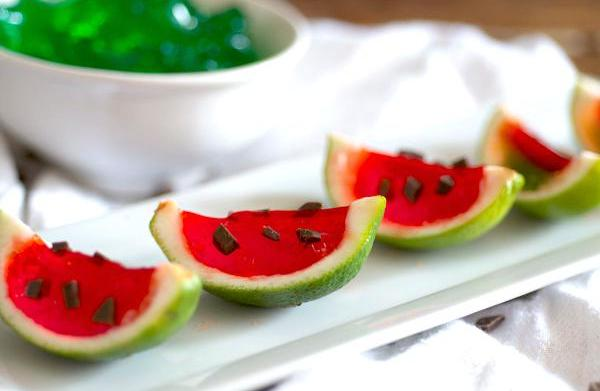 "Super-summery Jell-O ""watermelon"" slices"