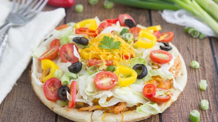 Easy chicken taco pizzas