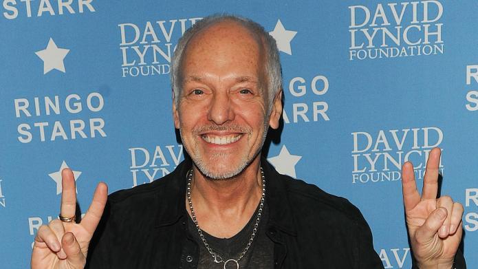 Peter Frampton throws away cell phone