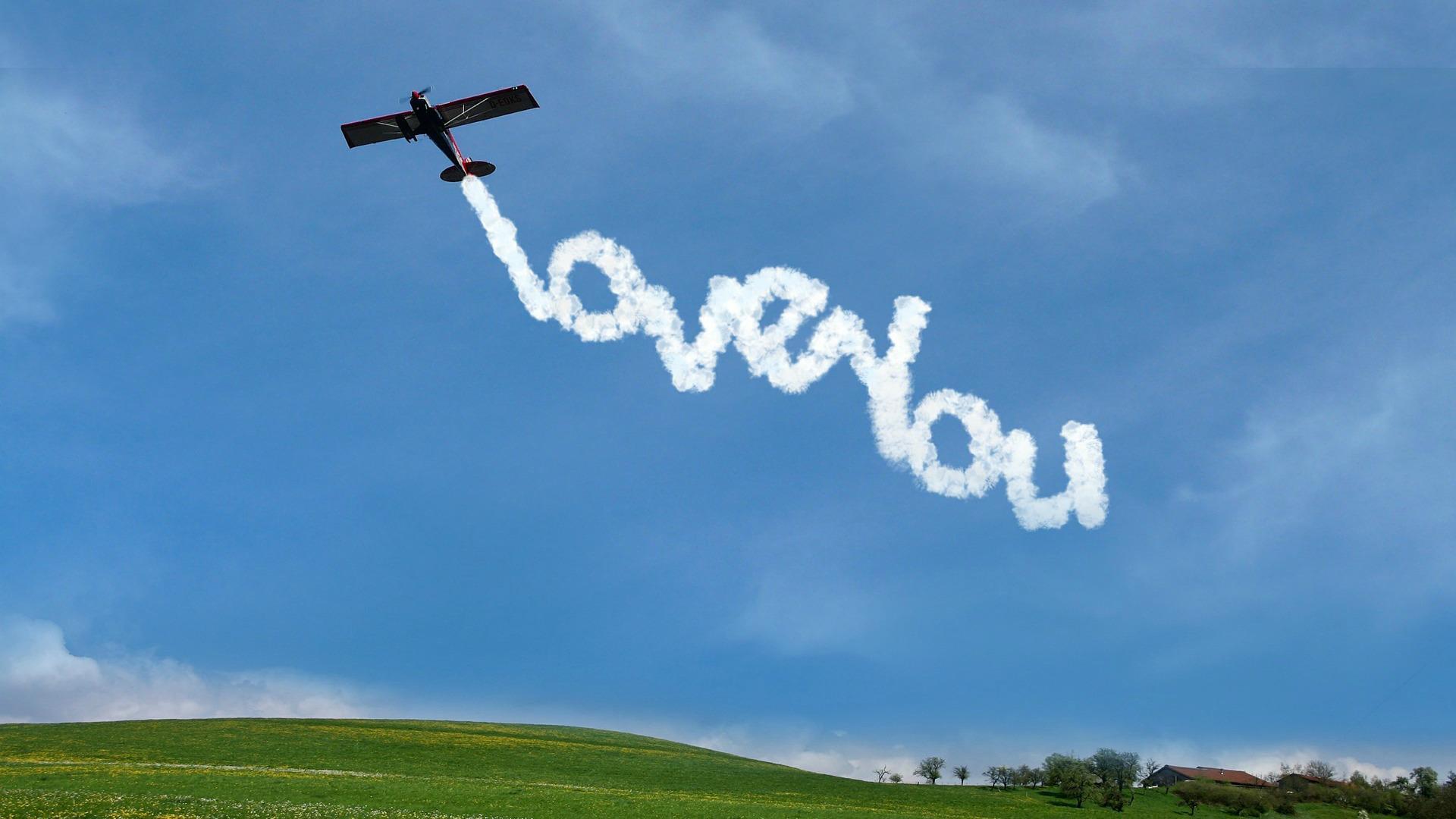 Картинки самолетов с надписями на небеса