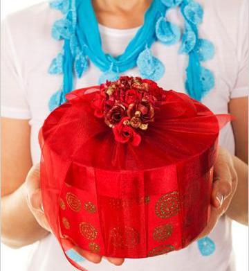 Spring hostess gifts under $25