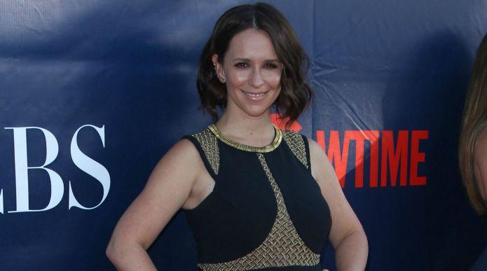 Jennifer Love Hewitt shares embarrassing 'mom