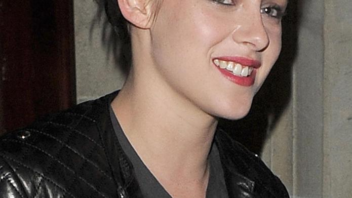 Kristen Stewart leaving her hotel Paris,