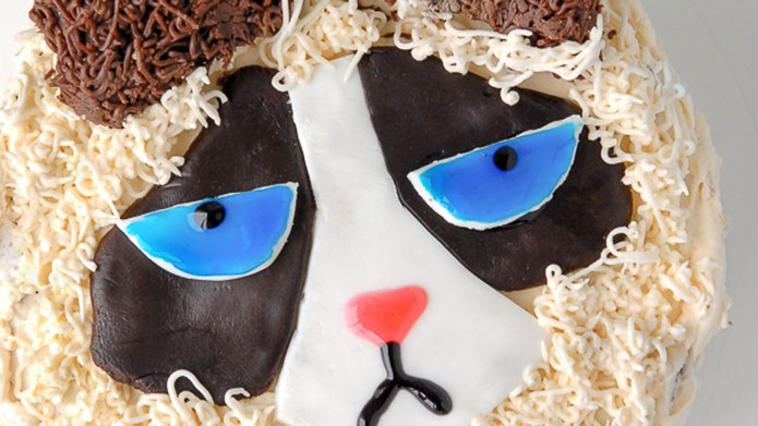 This Grumpy Cat cake will seriously