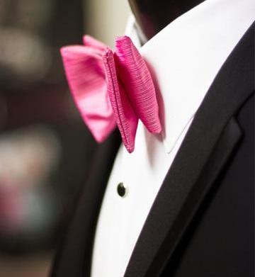 Wedding trend alert: Vibrant accessories for