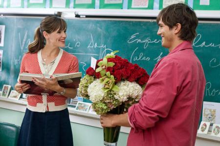 Ashton Kutcher and Jennifer Garner in Gary Marshall's Valentine's Day