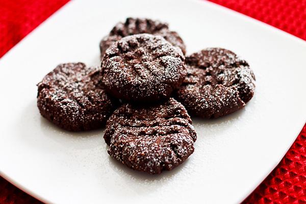 Vegan chocolate holiday cookie