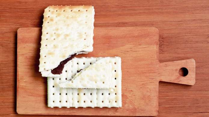 How to make cracker candy, the