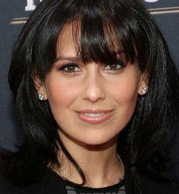 Hilaria Baldwin joins the Mommalogues