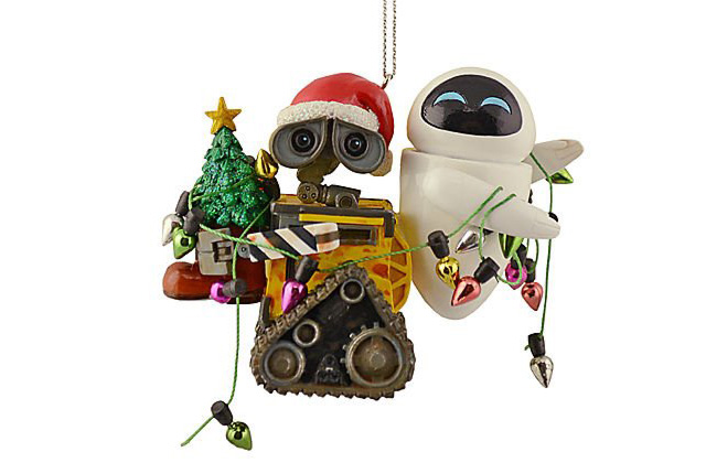 wall-e and eve hanging christmas ornatments