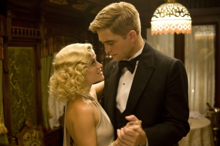 Reese Witherspoon and Robert Pattinson in Water for Elephants