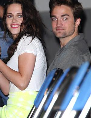 OMG Robsten is totally back together