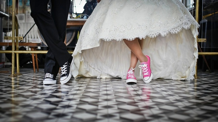 Dear Brides: These outdated wedding rules
