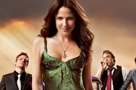 Mary Louise Parker centers the cast of Weeds