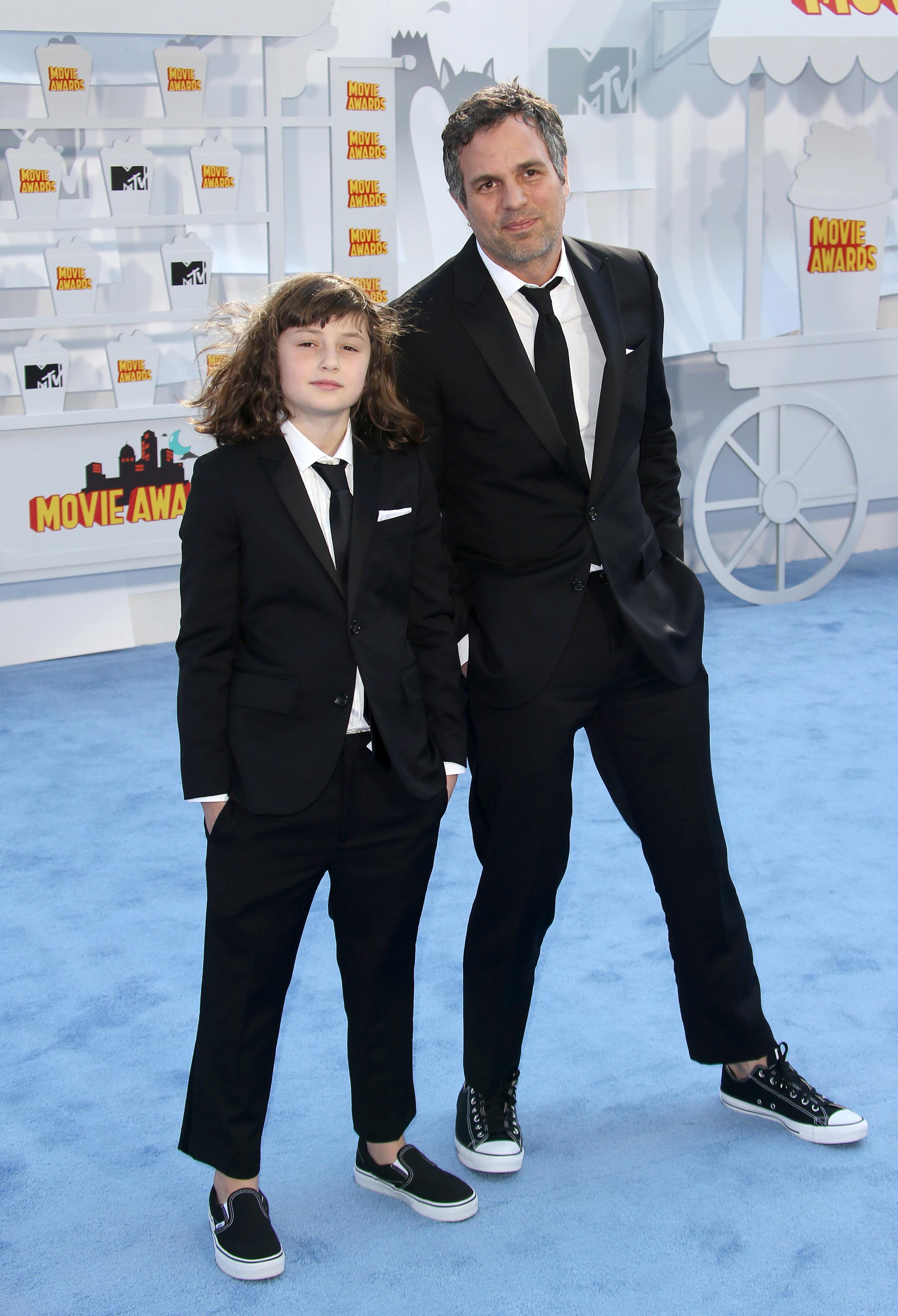 Mark Ruffalo and Daughter Bella at MTV Movie Awards