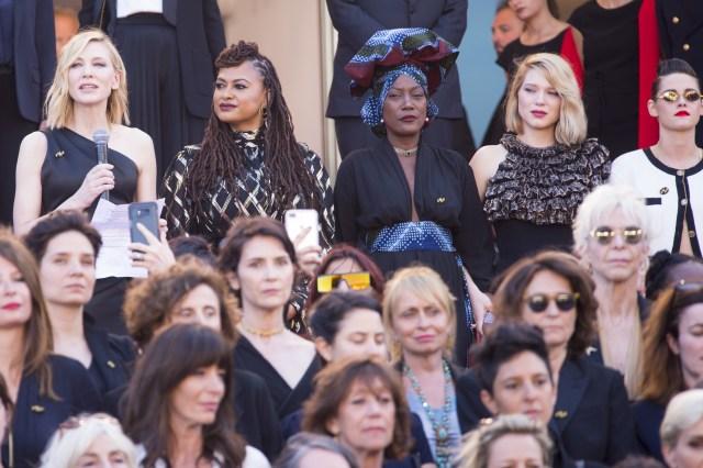 Cate Blachett Cannes march