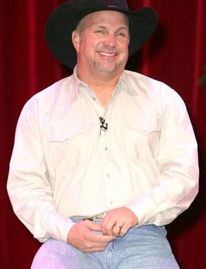 Garth Brooks comes out of retirement