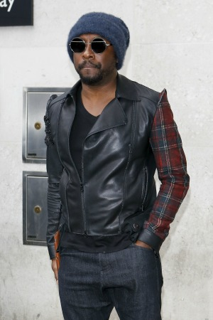 will.i.am gives his view about twerking and admits he takes lessons