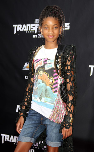 Willow Smith shaved her head