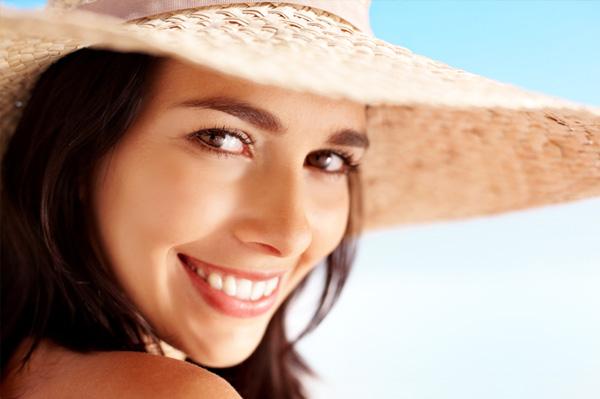 Summer woman wearing hat