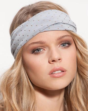 Woman wearing a head wrap